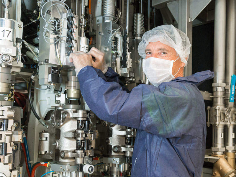 The catamaran's hull is made of carbon fibre reinforced polymer materials. Credit: SNSZ, JSC.